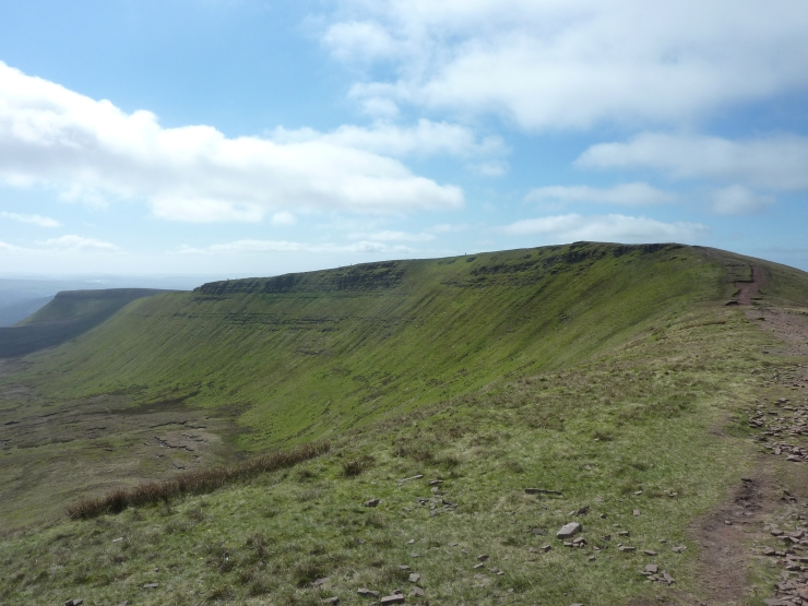Looking along the ridge towards Graig Fan Ddu